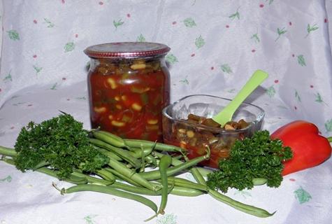 фасоль в томатном соусе в банке