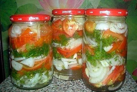 помидоры по-польски внутри банок