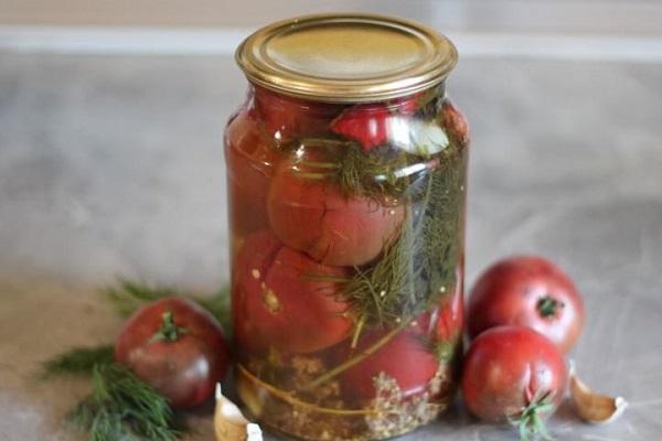 помидоры под крышкой