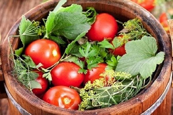 овощи в бочке